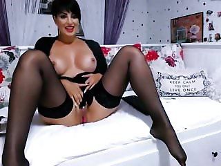 Beautiful MILF cams for us