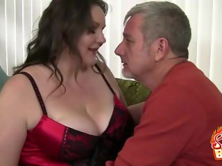 Cock Sucking BBW Joslyn Underwood Stripped