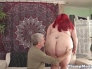 Chubby beauty pussyfucked by her lovers cock
