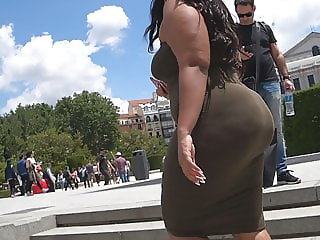 GluteusDivinus - Big Donk Ass Tourist