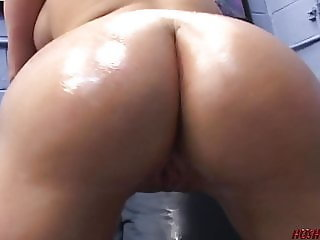 Young PAWG loves riding a cock