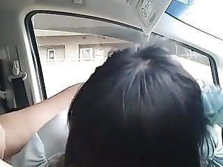 girl blowjob her boyfriend in car