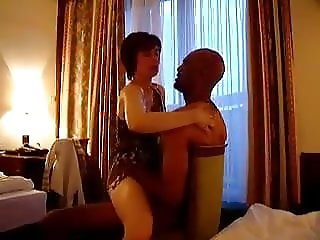 White wife getting it from a Blk Bull