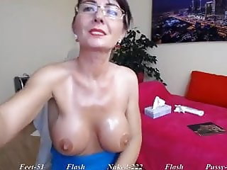 Kelly Love - 44yo Cam Mom
