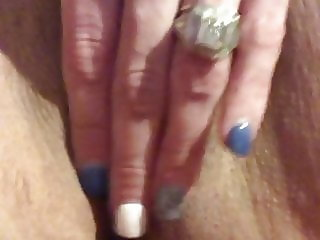 Wife playing witb pussy