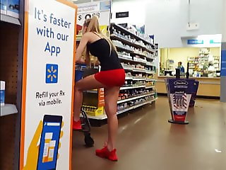 Candid voyeur hot blonde teen spandex at grocery store