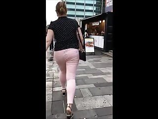 Big juicy Polish bum in pink jeans