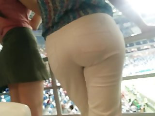 Juicy big butt milfs in tight white pants 3