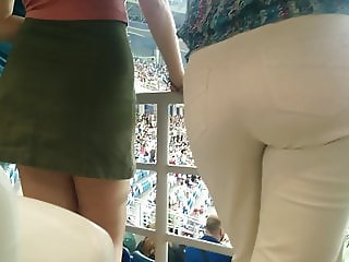Juicy big butt milfs in tight white pants 4
