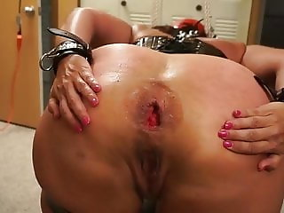 Anal Fisting and Prolapse for BBW