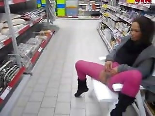 Young German girl pissing all over a store!
