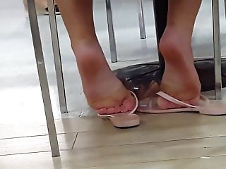 Dangling Feet Soles Flats Girl Teen Brazilian
