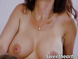 Buxom mom teaches young dyke the way of the pussy licking