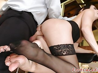 Glamcore office babe enjoys footworship