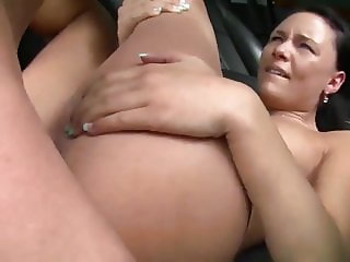 Fuking German Brunette In the Car with cumshot in her mouth