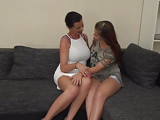 Mature busty mom seduce teen daughter