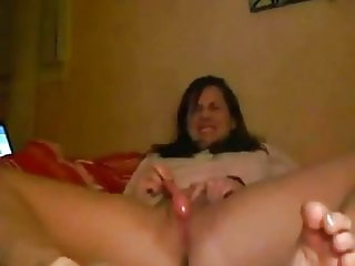 Toe curling orgasm while dildoing her furry cunt