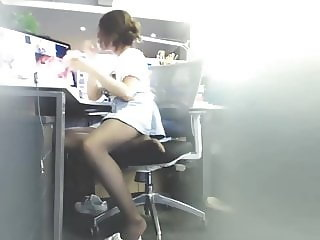 ASIAN CD HAVING A PLAY AT WORK WILL MAKE YOU CUM