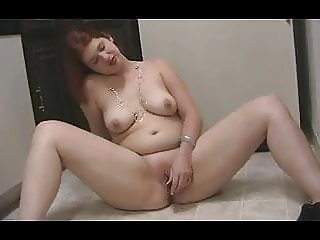 BBW hot in kitchen