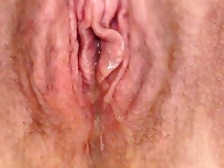 Wet, piss dripping pussy