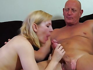 Amateur mother suck and fuck bald daddy