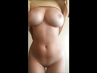 Big naturals boobs on cam