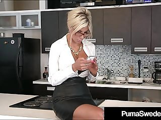 Office Sluts Puma Swede & Bobbi Eden Eat Sweet CoWorker Cunt