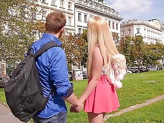 Blondie Samantha Rone crams her mouth, pussy & asshole with