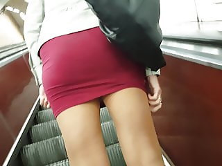 Pantyhose in miniskirts