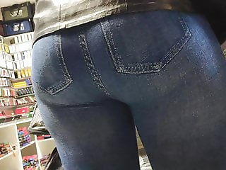 I touched big butts milfs in tight jeans 2