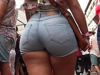 Spanish hot asses and PAWGs big culos candid women