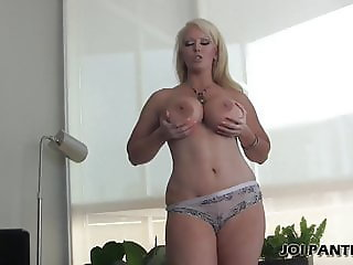 You cant keep your eyes off my ass in my little panties JOI