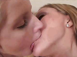 Horny Lesbian Makeout!!