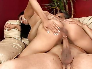 Latina Babe does anything for boyfriend