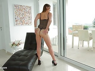 Cathy Heaven mature hottie gets gonzo hardcore sex by MILF