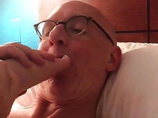 Sucking Toes and Pussy