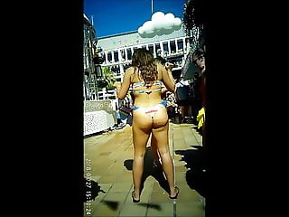 Very Sexy Asian Chick With Asstounding Booty Shaking Skills