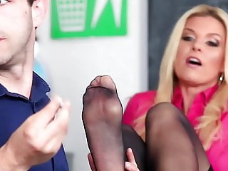 LoveHerFeet - Behind The Scenes With India Summer