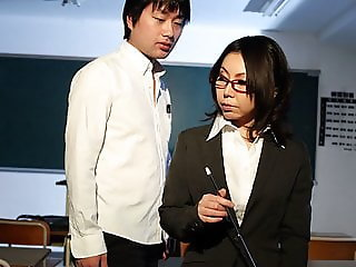 Horny Japanese teacher Minami Kitagawa blows her students ha