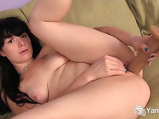 Yanks Siouxsie Q. Plays with a Huge Dildo