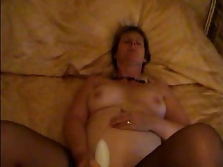 Mature Sarah naked and playing