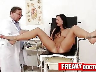 Terra Sweet a hot babe abused by elder tricky gynecologist