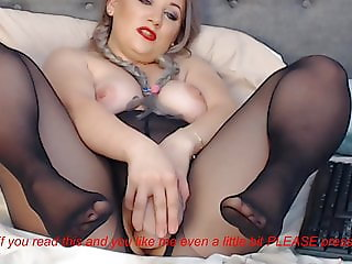 Cam girl in black pantyhose squirts with dildo