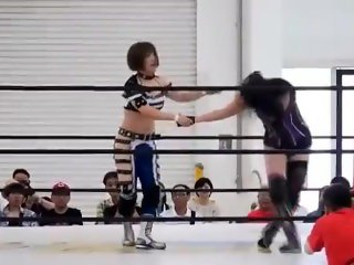 Sumire vs Mika Japanese Women Wrestling catfight