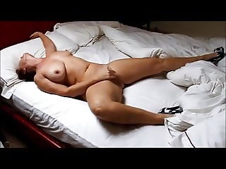 MILF masturbation in hotel room
