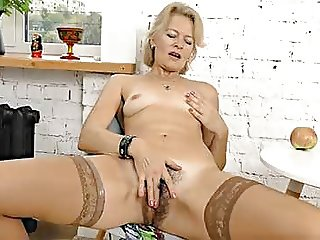 Mature Blonde MILF Diana V Plays With Her Hairy Pussy