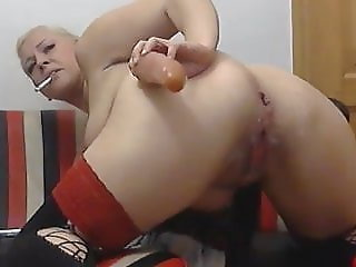 Smoking fetish mom shows off her anal skills