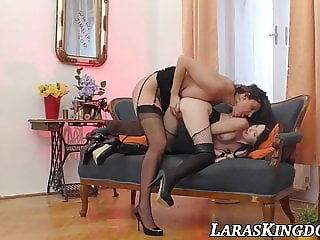 Tender dyke babe orally penetrated and fingering