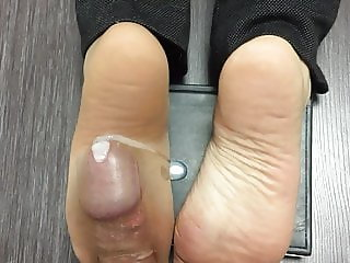 Married co-worker soles fuck with cum
