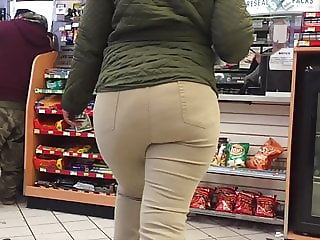 Thick Ebony Donk in Line